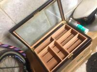 Cigar showcase box