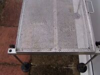 WADING TABLE WITH 4 LEGS AND MUD FEET A1 ORDER