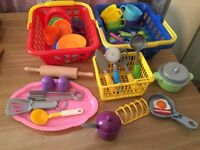 Toy cups,plates,cutlery