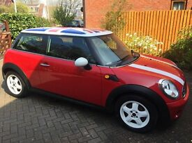 Beautiful Mini 1.6 Cooper with 15 inch alloys and FSH