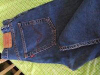 LEVIS 582 button fly jeans..34x32