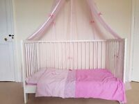 Toddler bed/cot bed with mattress