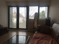 Two bedroom apartment with additionl sofa bed in Hanwell, Ealing, available for short lets