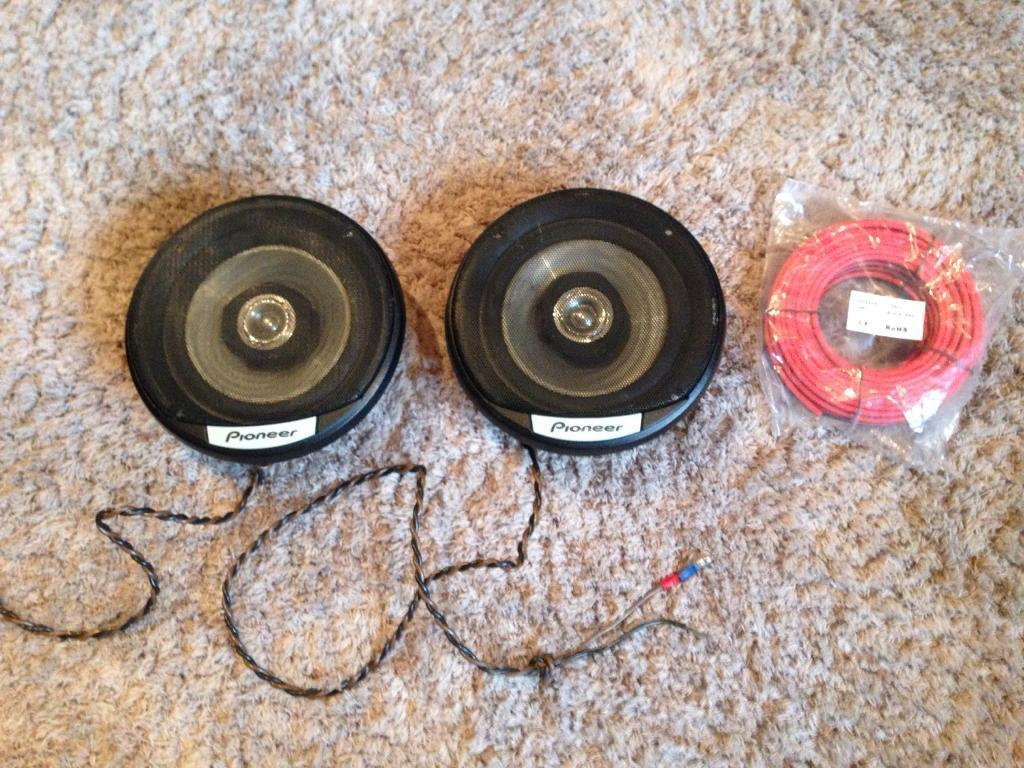 Car speakers and speaker cable