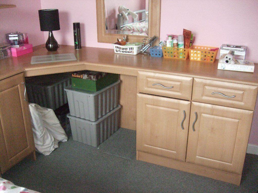 Corner Bedroom Unit With Worktop