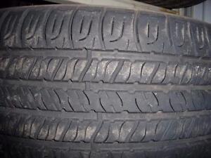 4 pneus d'été 215/55/17 Goodyear Assurance All Season, 40% d'usure, mesure 6/32