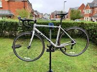Road bike Trek one series 2018 M/L size can deliver locally