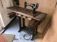 Vintage Singer Sewing Machine Table complete with Sewing Machine
