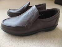 Mens casual Hobos slip on shoes size 10 dark brown BRAND NEW IN BOX
