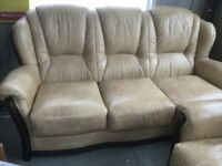 BEAUTIFUL 3 PC SUITE 3 SEATER SOFA WITH 2 CHAIRS WOODEN DETAILS. VERY COMFORTABLE BARGAIN £295