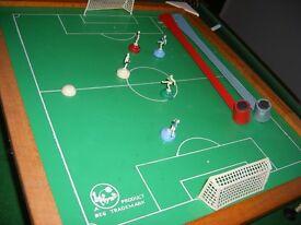 """VINTAGE MAGNETIC FOOTBALL/SOCCER SET 18 x 16"""""""