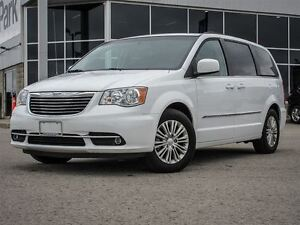 2016 Chrysler Town & Country Captain Chairs| 3rd Row| Heated Lea
