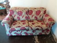 Floral 3 piece suite Maroon flowers on a beige background