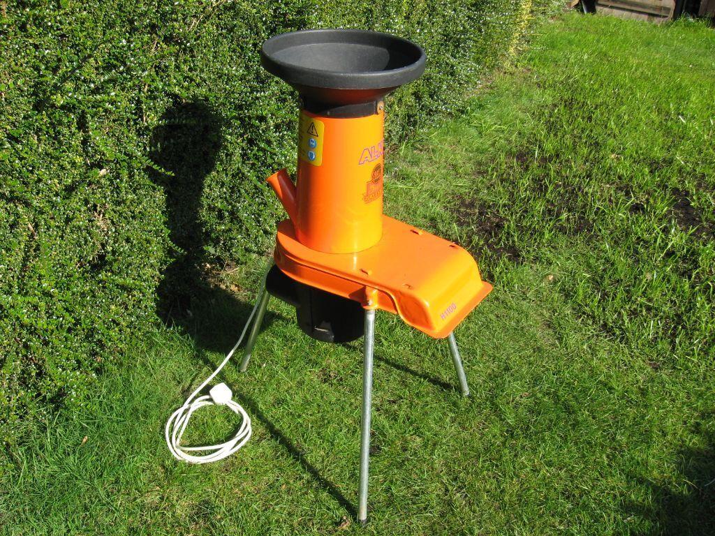 al ko alko h 1100 electric garden shredder wood chipper. Black Bedroom Furniture Sets. Home Design Ideas