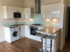 Superb Fully Re-furbished Top Floor Flat, Connaught Ave., Mutley, Plymouth