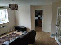 2 bedroom flat in Compass House, London, SE8 (2 bed) (#961797)