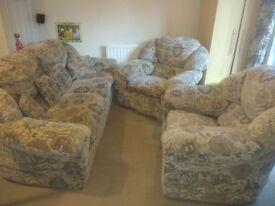 Sofa + 2 arm chair