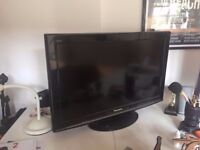 Panasonic Viera TX-L32X10 32in LCD FREEVIEW TV in good condition