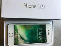 iPhone 5s 16gb on EE and silver in colour