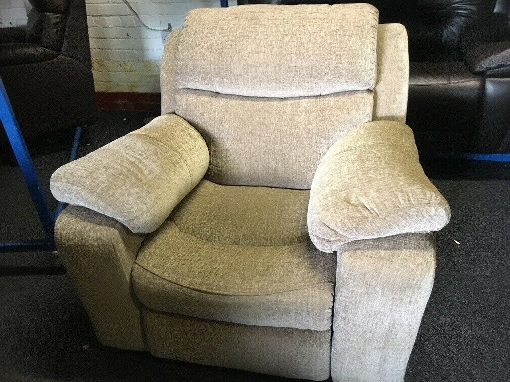 New/Ex Display LazyBoy High Back Electric Recliner Chair Sofa