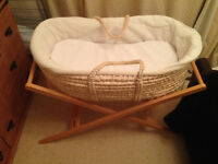 Moises basket, stand, mattress and cover
