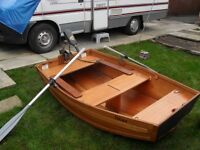 FOLDING BOAT IDEAL FOR PUTTING IN CAR/VAN