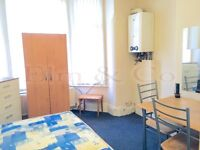 Studio flat to rent Barlow Moor Road, Manchester, Greater Manchester, M21