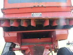 1980 White 8900 Combine for parts