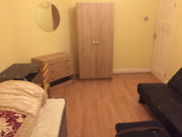 ROOM TO RENT IN ISLEWORTH