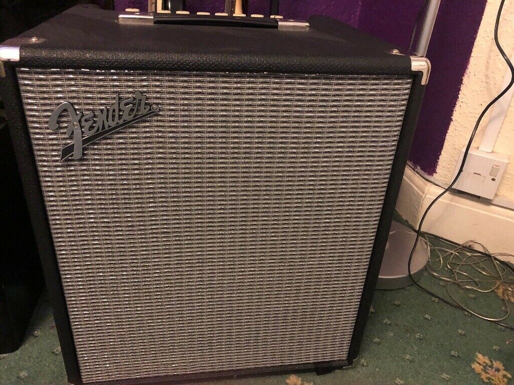 for sale bass amplifier fender rumble 100 v3 in southampton hampshire gumtree. Black Bedroom Furniture Sets. Home Design Ideas