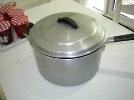 Large Pan with lid