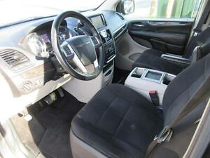 2011 Chrysler Town and Country Cambridge Kitchener Area image 10