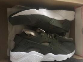 Brand new Nike huaraches