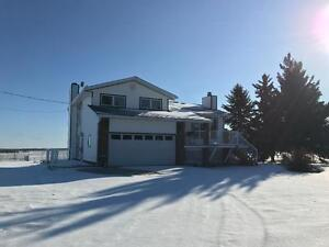 ***1 MONTH FREE RENT*** 3 BED 2.5 BATH HOUSE ON 5 ACRES