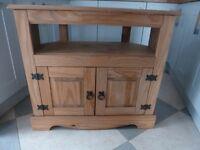 Corona HiFi / TV Cabinet