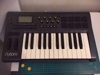 Axiom 25 Midi Keyboard for production *as new*