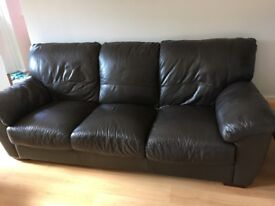 3/4 seater & 2 seater brown leather sofas. Good condition