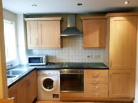 Stunning newly painted two bedroom ground floor flat in Stratford, E15