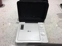 PORTABLE LG DVD PLAYER WITH CHARGER