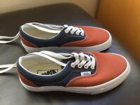 Unisex, VANS soft training shoes (new, size 4)