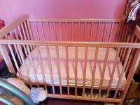 Mini pink cot