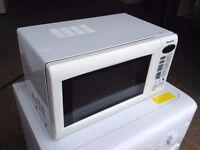 PANASONIC 800w DIGITAL MICROWAVE ~~ IMMACULATE CONDITION