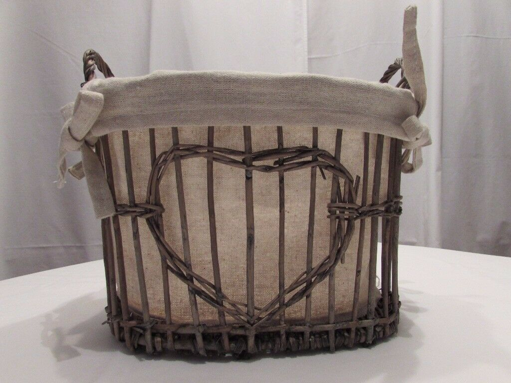 Brand new 'heart' willow basket. A perfect Christmas gift or addition to your home. P&SF home.