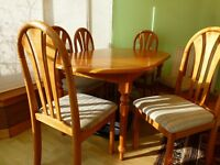 Solid Oak Dining Table and 6 matching chairs