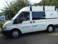 LOVELY CAMPERVAN FORD SUNSEEKER WITH DRIVEAWAY AWNING