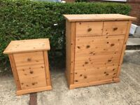 4 Piece Solid Pine Bedroom Furniture Set 1 x Wardrobe, 2 x Bedside Cabinet, 1 x Chest of Drawers