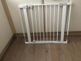 BABY GATE ( With all parts incl)
