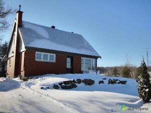 262 000$ - Maison à un étage et demi à vendre à Granby