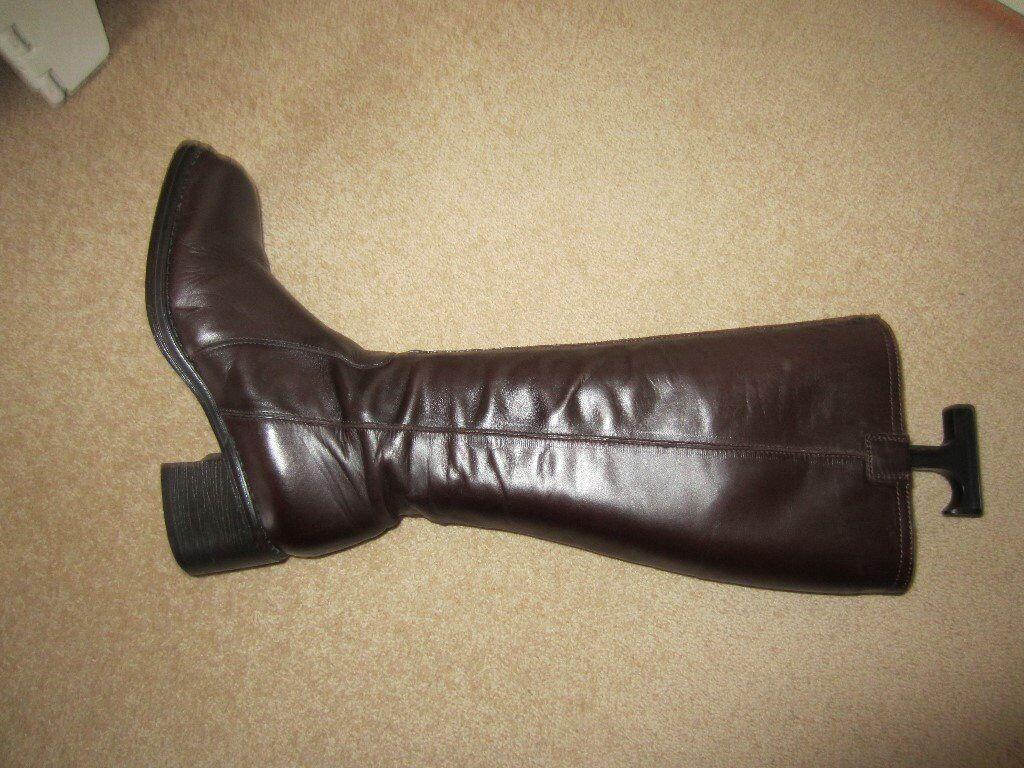 Jones Ladies Knee Length boots