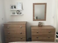 Bedroom furniture including mirror, 2 chests of drawers and 2 bedside tables